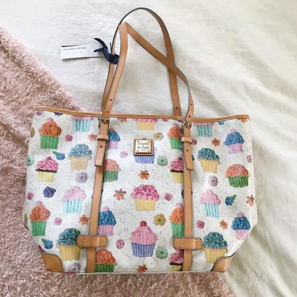 Dooney & Bourke Handbags - BNWT Dooney&Bourke East West Shopper